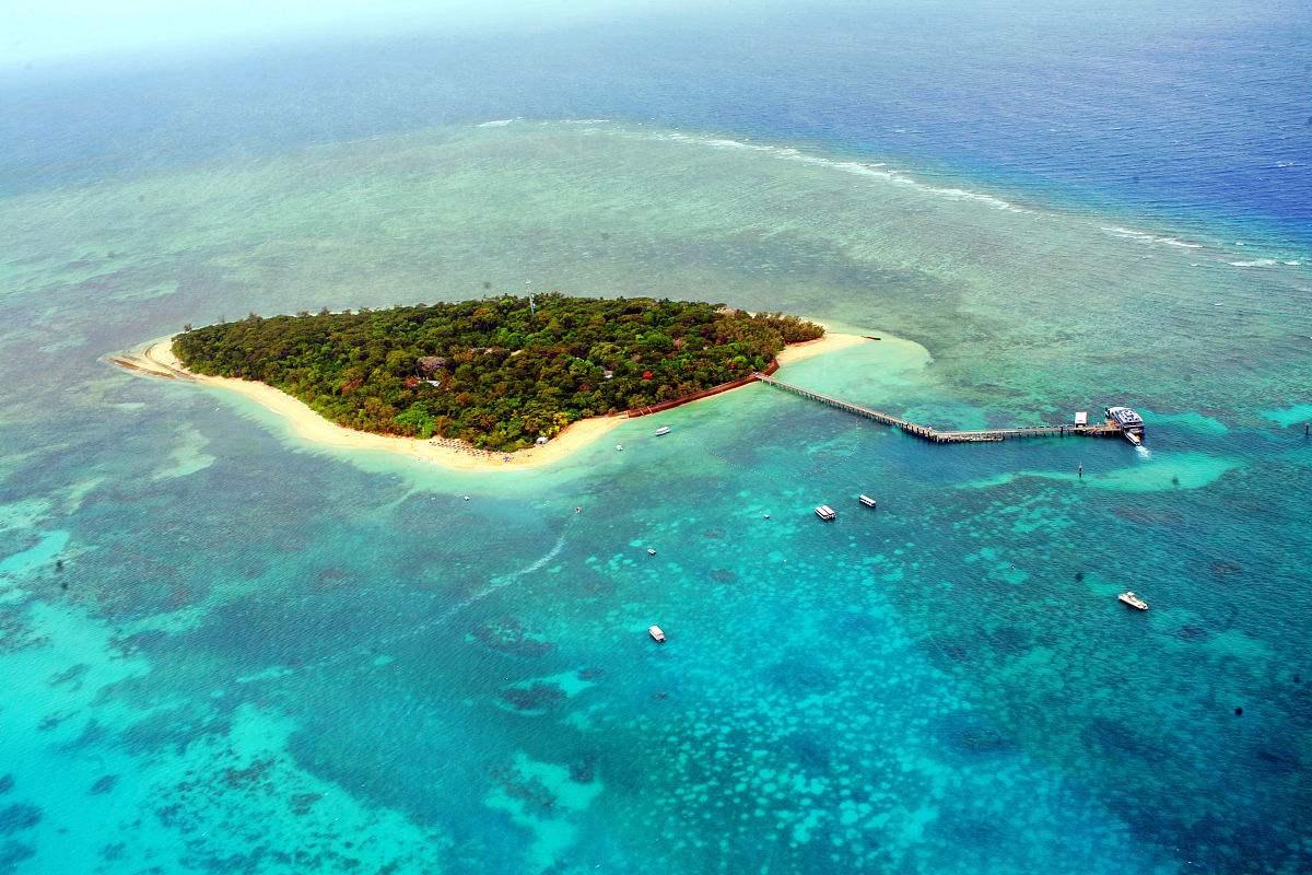 之后搭乘快艇前往著名的甲米四岛【鸡岛chicken island】+【管子岛
